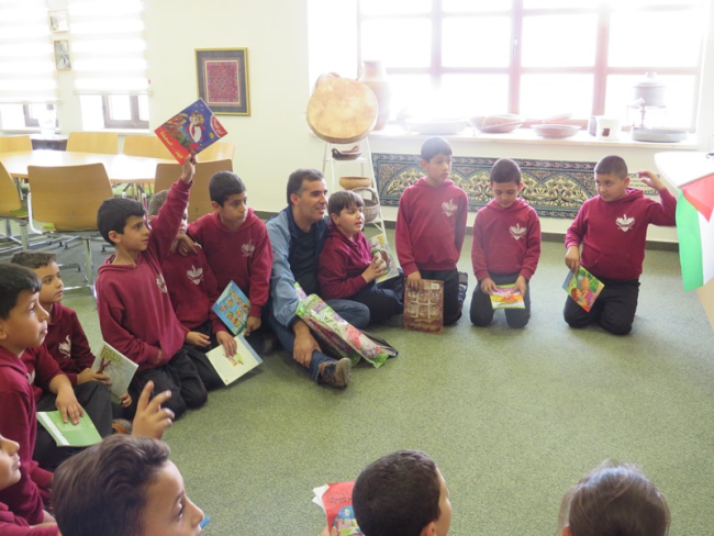 Bethlehem University Education Alumna Brings Her Elementary Pupils to the Library